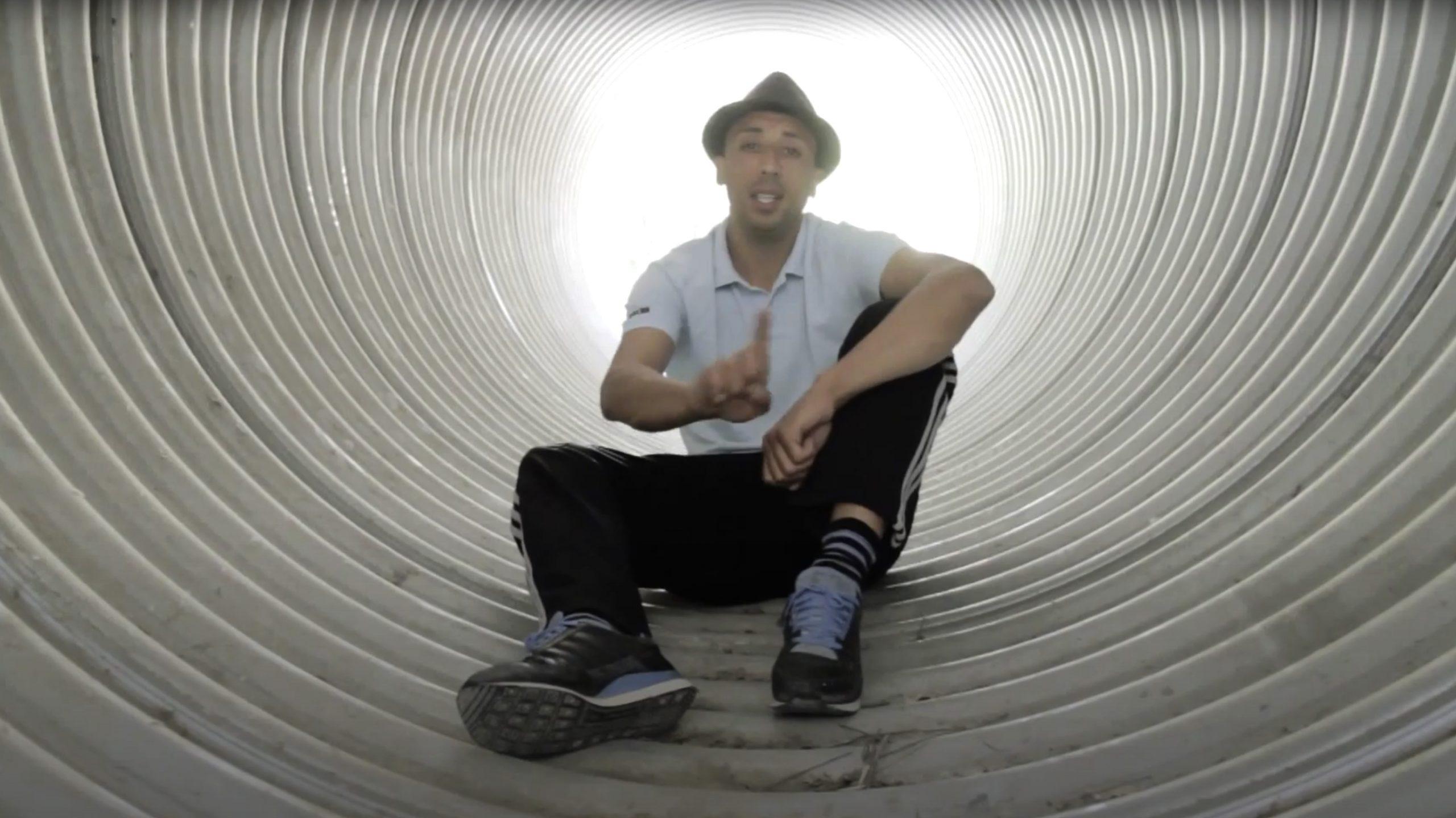 image du clip des mots du rappeur prof texto de aubagne marseille